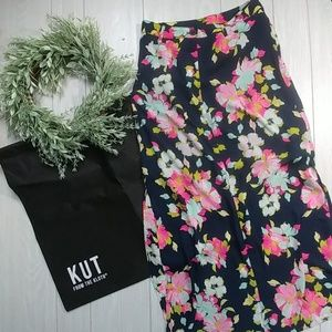Kut from the cloth Floral maxi skirt & blk bag